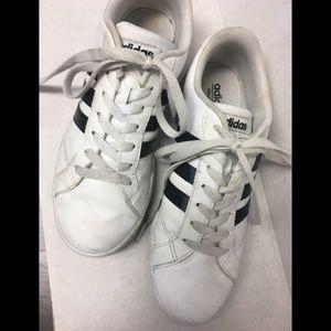 """Adidas """"Neo""""  Tennies EUC"""